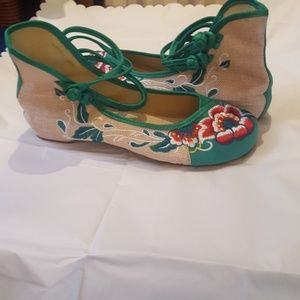Shoes - Unbranded adorable shoes, size 10